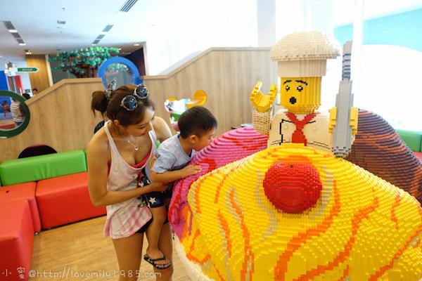 馬來西亞。投資考察玩樂園 Day2-1 樂高樂園酒店,一堆樂高人陪我們吃早餐