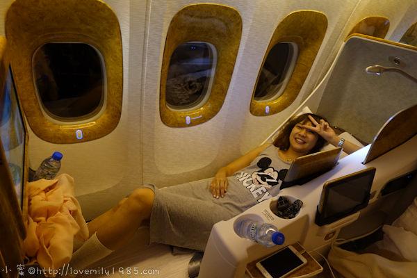 杜拜+義大利。夢想之旅 Day1&2 台北→搭乘Emirates阿聯酋航空商務艙(參觀頭等艙)→杜拜→辦理wifi機→阿聯酋大本營機場接送