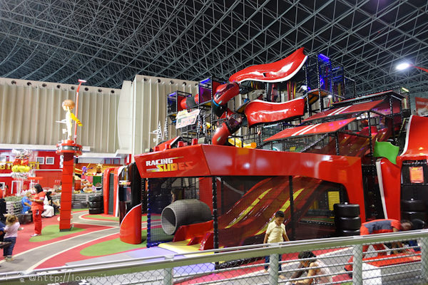 杜拜+義大利。夢想之旅 Day4-2 阿布達比 【法拉利樂園Ferrari world】全球最大的室內主題樂園。全世界最快雲霄飛車。part1