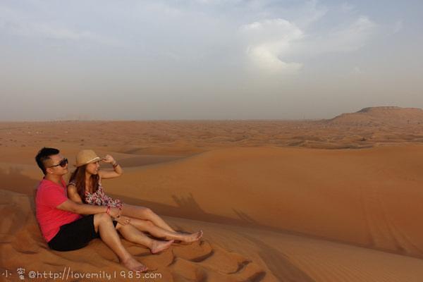 杜拜+義大利。夢想之旅 Day5 Dubai mall早午餐→沙漠衝沙Desert Safari→騎駱駝→AL JABAL VILLAGE沙漠晚餐