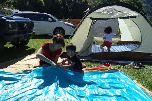 【露營】帶孩子的第一次露營。接觸大自然真的超棒,是都會小孩的大確幸 Day2 太陽大到曬傷&超不專業首露資訊分享