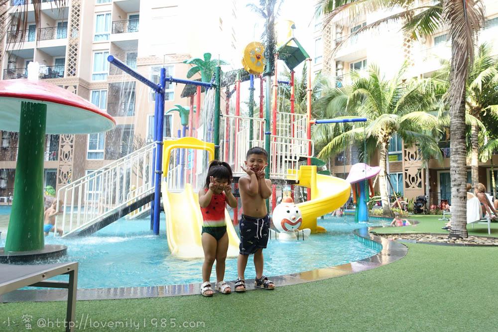 【泰國。pattaya。airbnb】中天海灘附近CP值超高旅遊住宿。房間、社區、周邊介紹。Atlantis Condo Resort Pattaya亞特蘭提斯