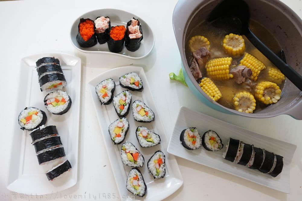 【廚房菜鳥。第一次煮飯就上手】第一次做壽司,真的是醜的很歪腰XXD但很簡單的作法,不過第一次做不要太期待報導,外加玉米排骨杜仲湯!食譜實作,好好喝