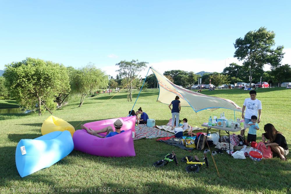 【戶外居家好物必備】實用度超高的Comfy完美二代空氣沙發Air Sofa,野餐、海灘、露營、泳池、招待朋友~通通可用!