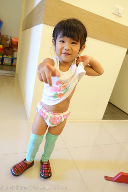【晶晶大事記】隨心所欲~超順其自然,戒超久的尿布+好用學習褲分享《2Y11M》