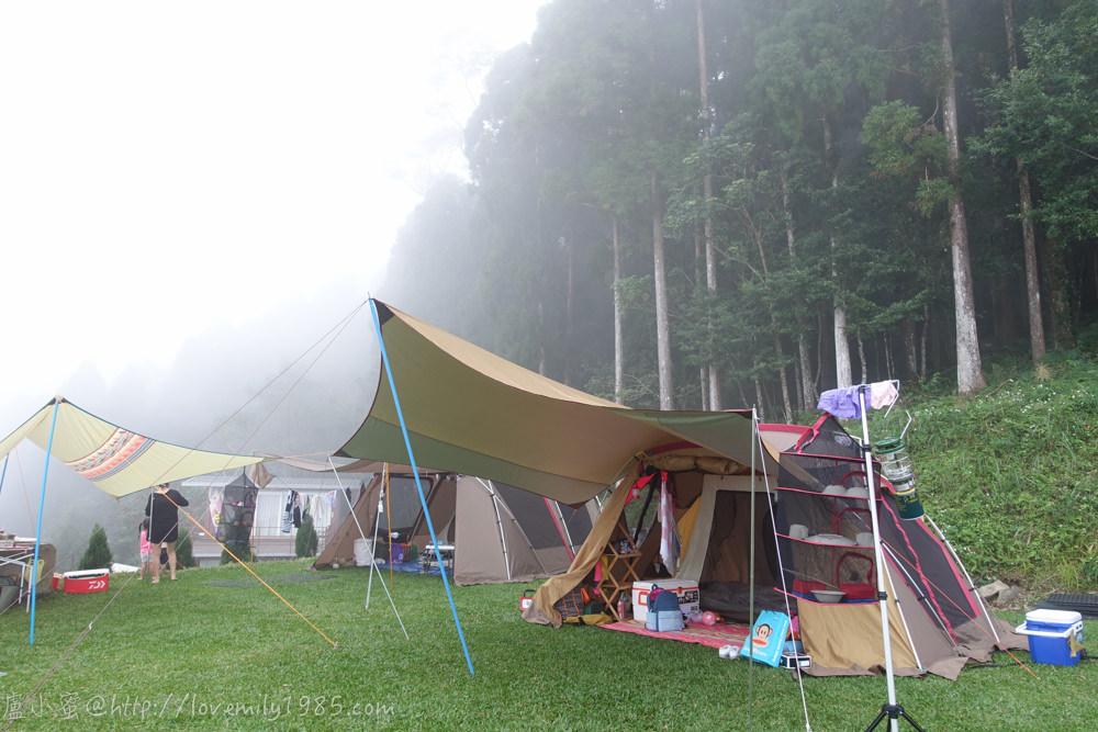 【露營】邁向真正的露營之第三露。尖石鄉森林海營地 Day2-2 親近大自然的放空午後.山嵐來襲我們身處在雲霧繚繞的仙境