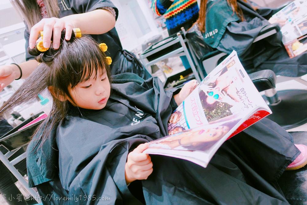 【晶晶愛漂亮】母女一起上髮廊~成就達成!水晶晶人生中第一次上髮廊.第一次燙捲髮!《3Y2M30D》