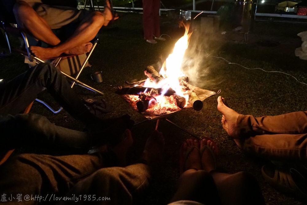 【露營】聖誕快樂硬要露第六露。苗栗鑽石林營地 Day2-2 露營午後慢活時光。聖誕大餐~越煮越上手很會煮捏(很好意思講XD)