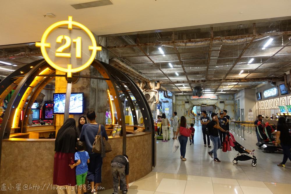 【馬來西亞。遛小孩】培養孩子勇氣,消耗孩子體力,訓練平衡.專注.協調!超好玩的District21@IOI City Mall,Putrajaya,媽媽我都超想玩的!!!