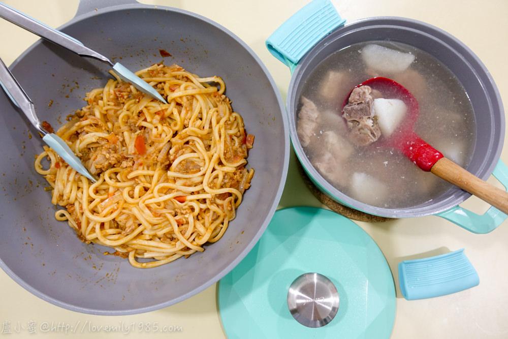 【廚房菜鳥x露營食譜】一鍋到底快速上菜。蕃茄肉醬烏龍麵+山藥排骨湯,小孩好買單,媽媽的味道,超簡單食譜&實作