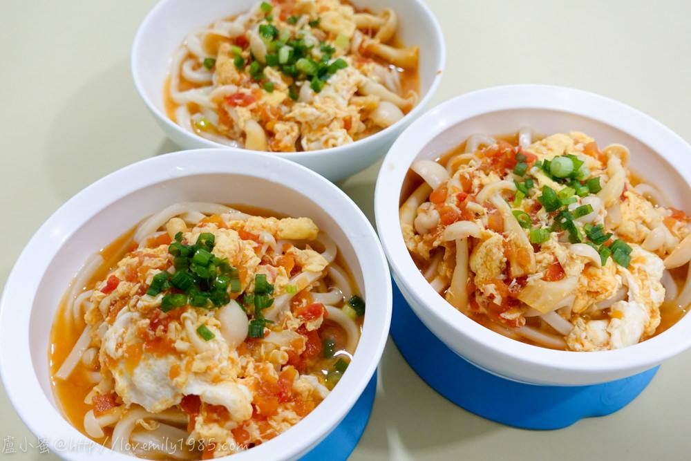 【廚房菜鳥x露營食譜】烏龍麵的最極致簡單快速上菜「蕃茄蛋菇烏龍湯麵」,超簡單備料~食譜&實作