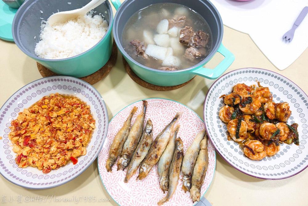【廚房菜鳥。第一次煮飯就上手】很下飯的「蔥燒蝦仁」、家有挑嘴小孩必學「番茄炒蛋」、營養滿分「酥炸柳葉魚」~再加一鍋「山藥排骨湯」,三菜一湯食譜+實作