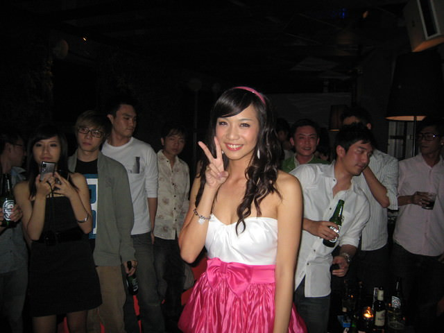 GrAnd 24th B-daY ParTy & mY BabE PrOpOseD tO mE (上)