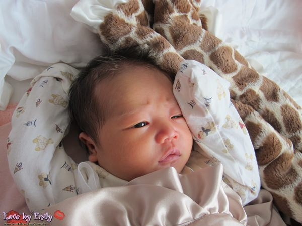 【胖na成長週記】24小時母嬰同室+黃疸第二次住院《3W》