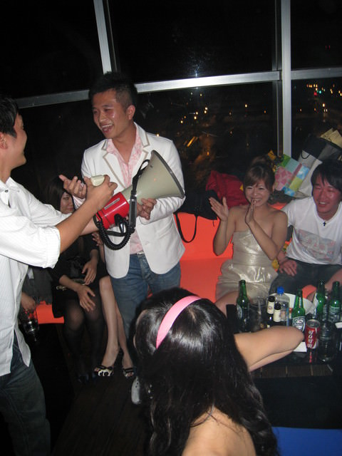 GrAnd 24th B-daY ParTy & mY BabE PrOpOseD tO mE (中)