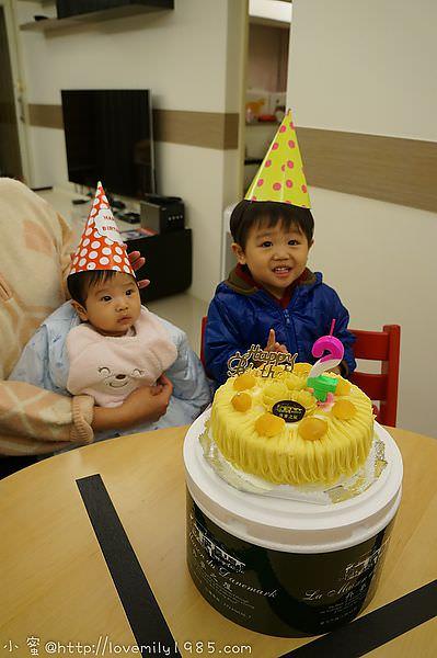 【生日特輯】胖nana兩歲囉!提前在家溫馨小慶生!