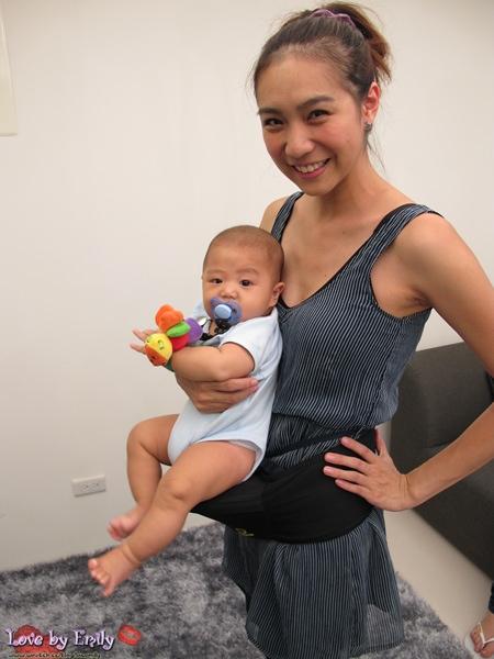 【媽寶】預防媽媽手的超級法寶→寶寶的人體座椅 <<靠腰>>